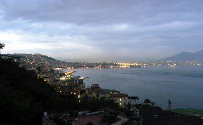 Tramonto su Napoli